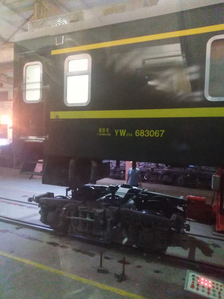 Changing the undercarriage at Erlian Station