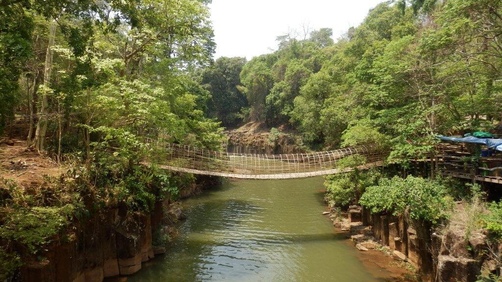 Pakse Motorbike loop: Tad Phasuam Falls