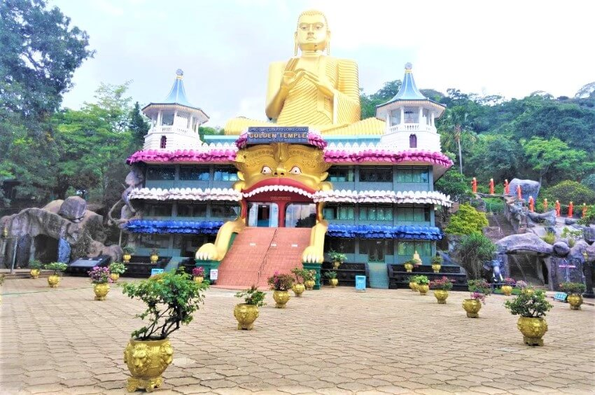 The Golden Temple and the Buddha in Dambulla