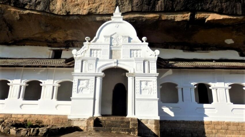 Beautiful style of the cave temple