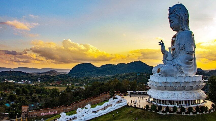 Chiang Rai Travel Guide, Wat Huay Pla Kang