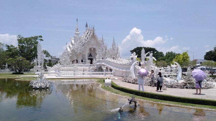 Chiang Rai Travel Guide - Wat Rong Khun