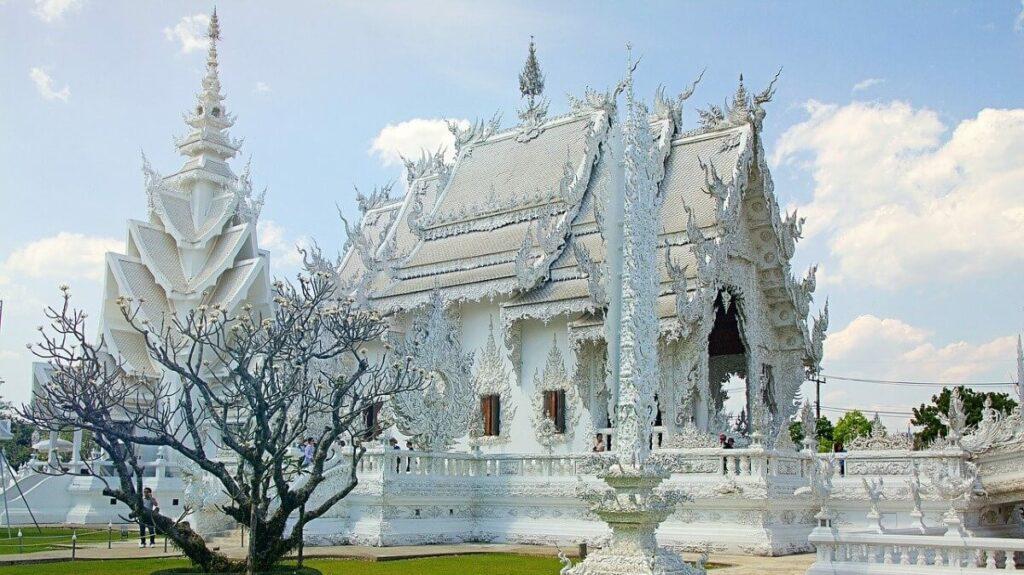 Chiang Rai Travel Guide - White Temple