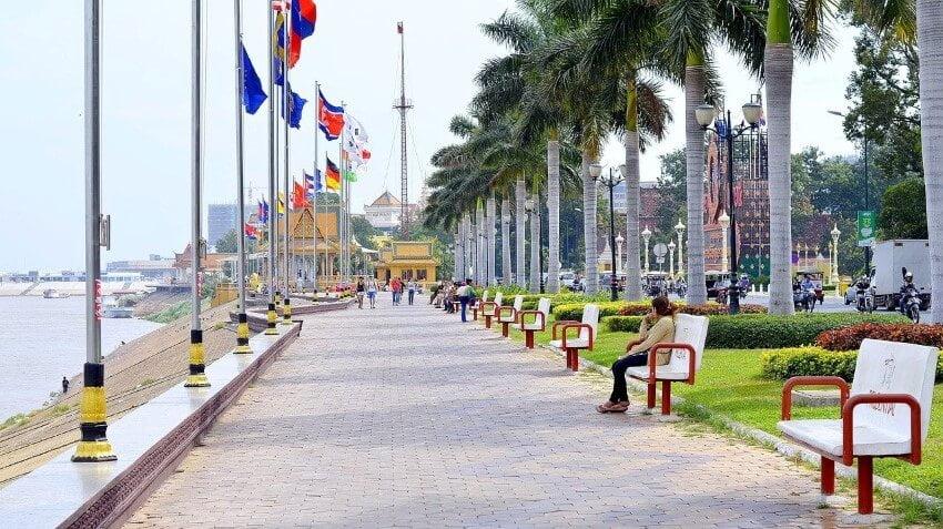 Phnom Penh Travel Guide, Promenade