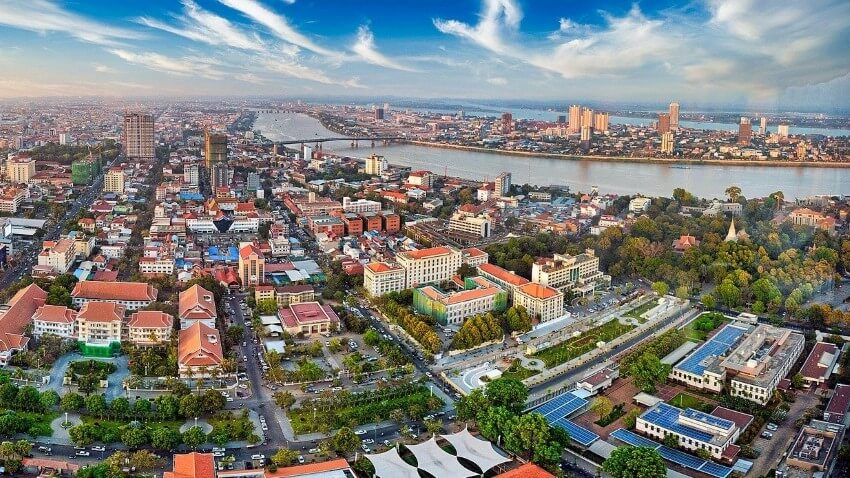 Phnom Penh Travel Guide, city view