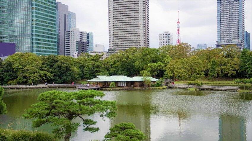 Hama Rikyu Onshi-teien, gardens in Tokyo, Japan