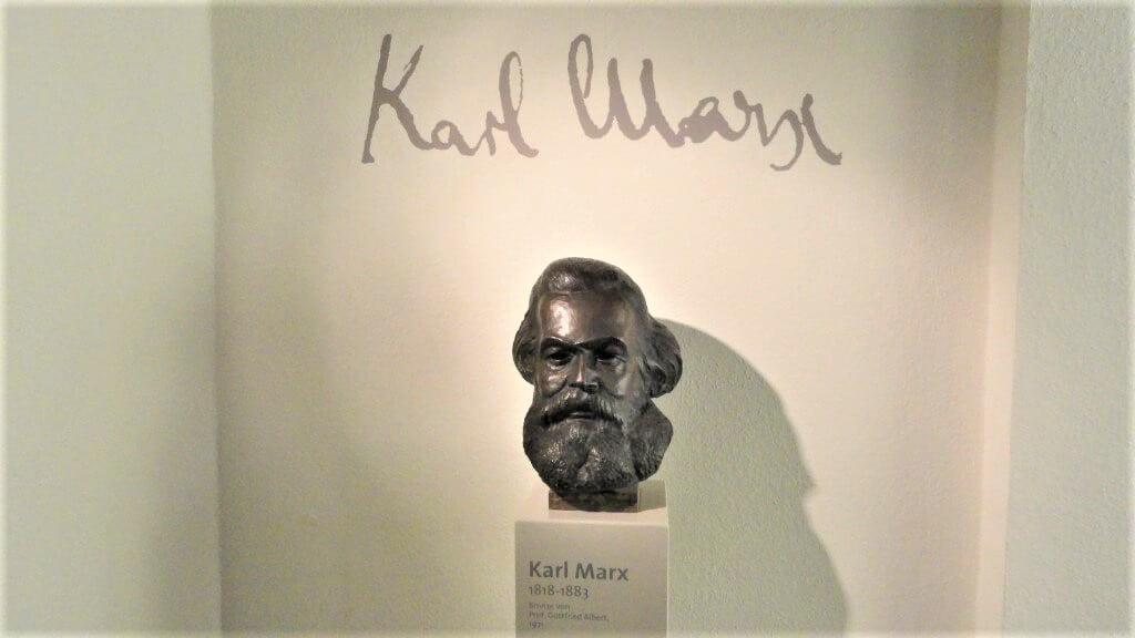 Statue of Karl Marx