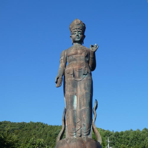 A bronze statue of Buddha in Yudanaka