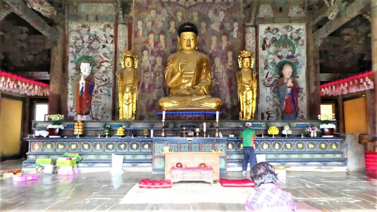 A golden Buddha inside the Bulguska Temple