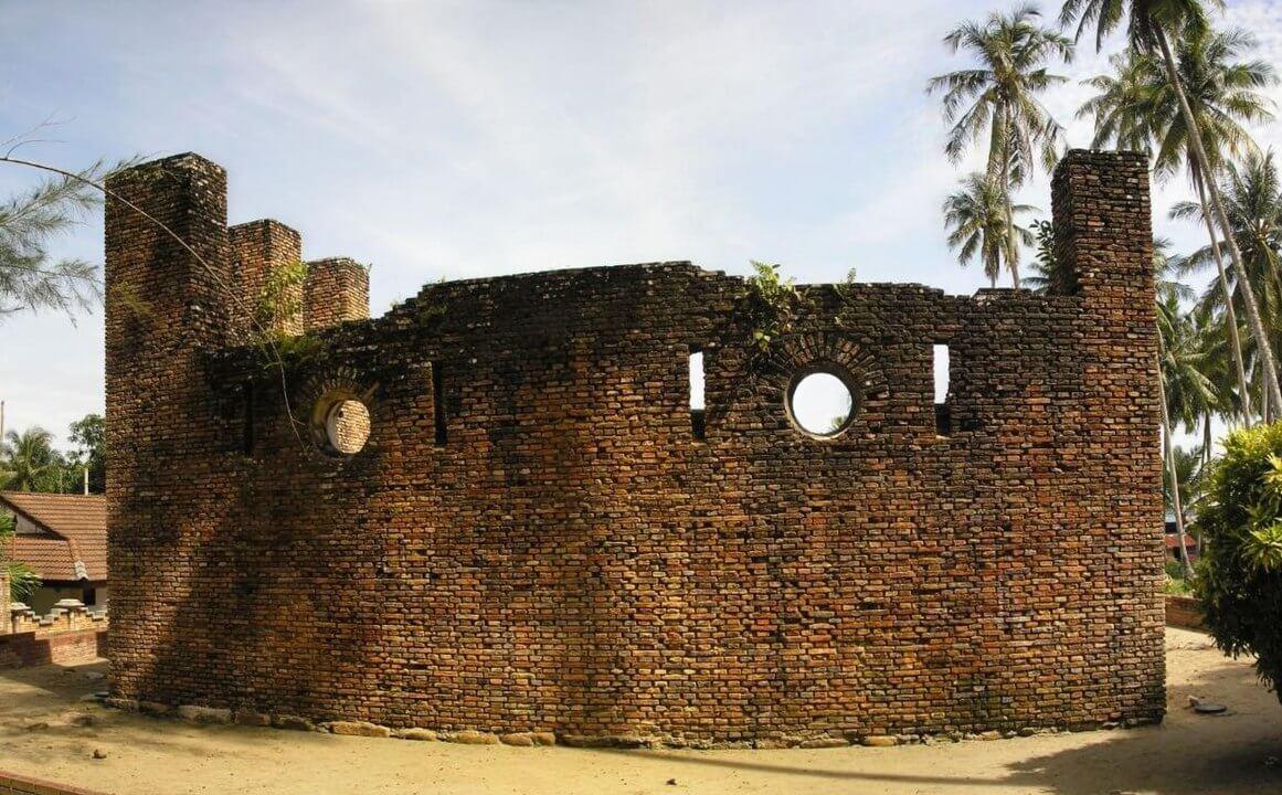 The history of Pulau Pangkor, Dutch Fort