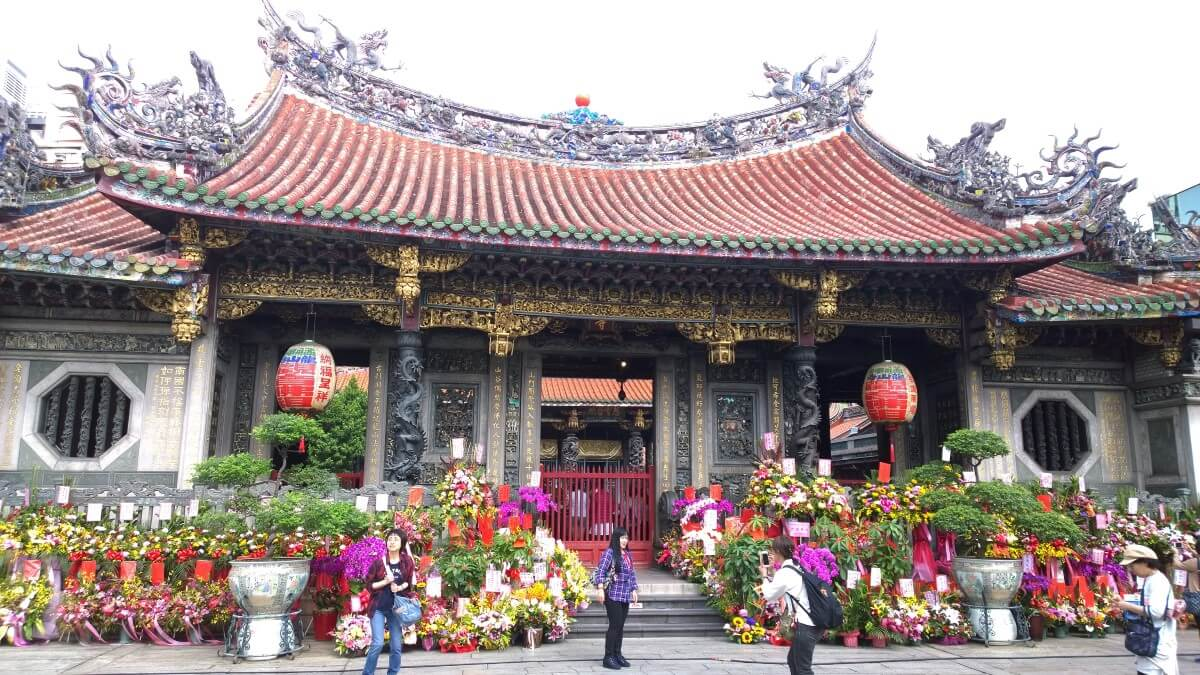 Colourful temple in Taipei, Taiwan