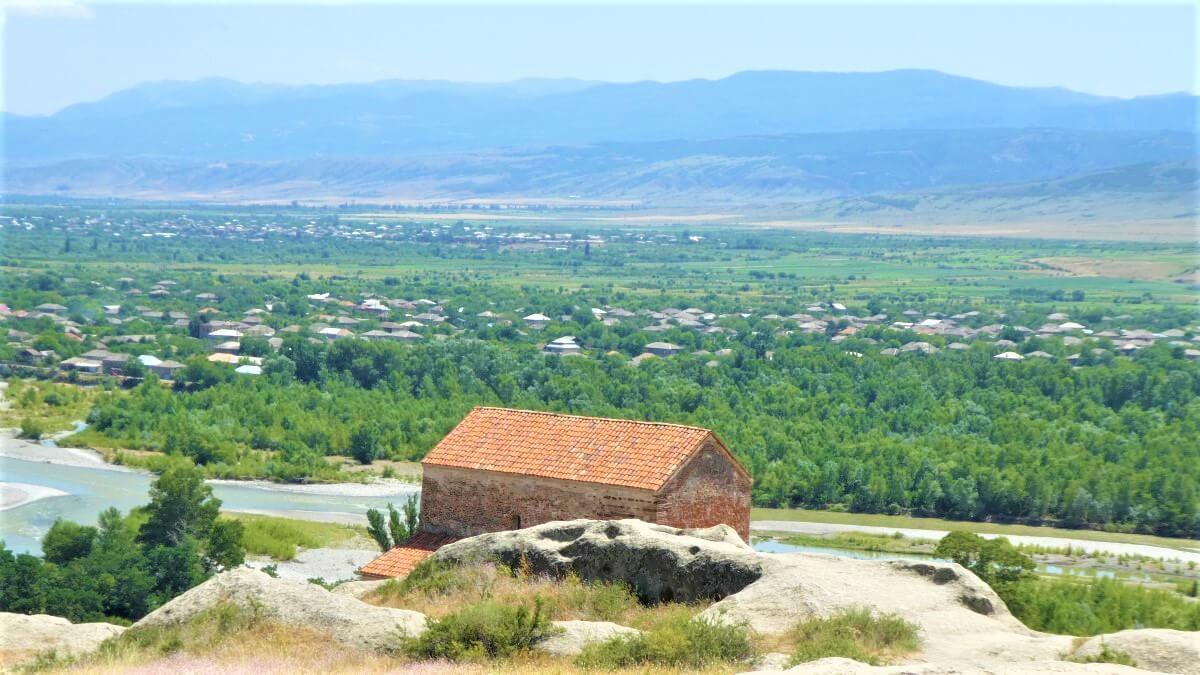 The surroundings of Uplistsikhe