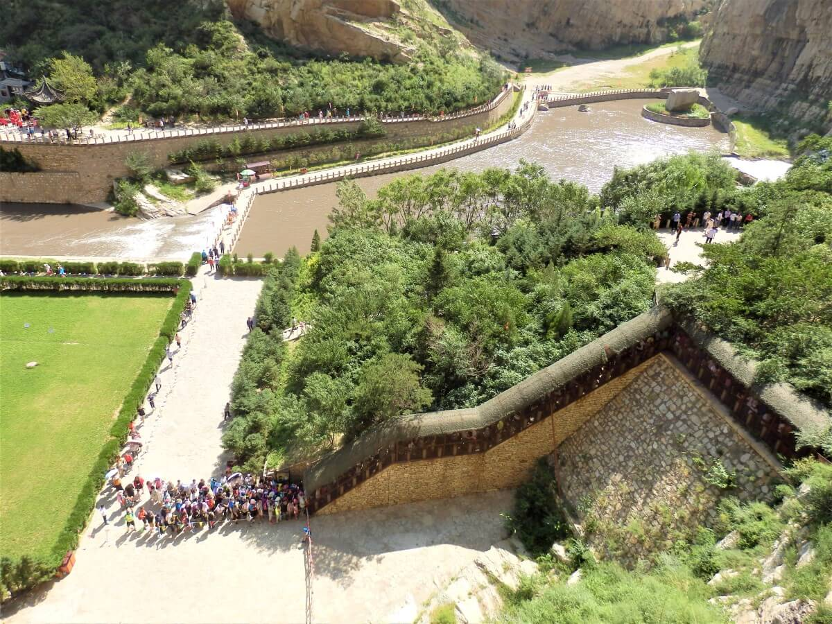 The entrance to the Hanging Monastery in China