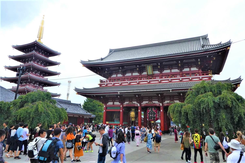 A pagode and a gate of the Sensoji Temple, Asakusa