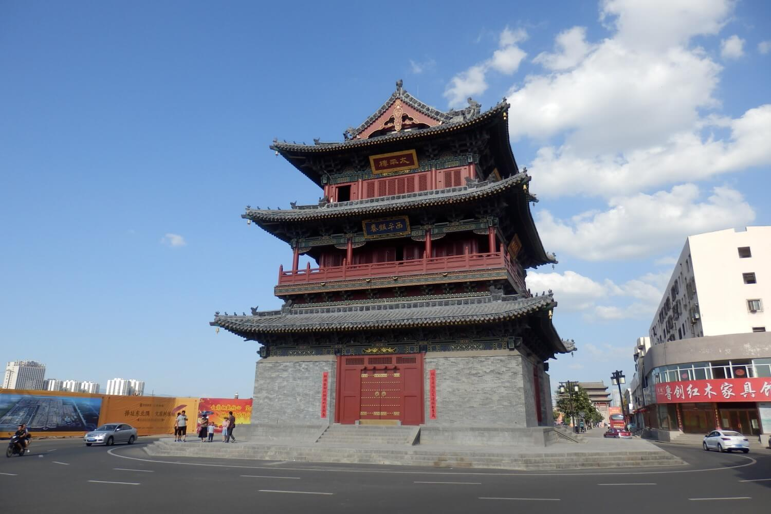 Old tower in de city center of Datong, China