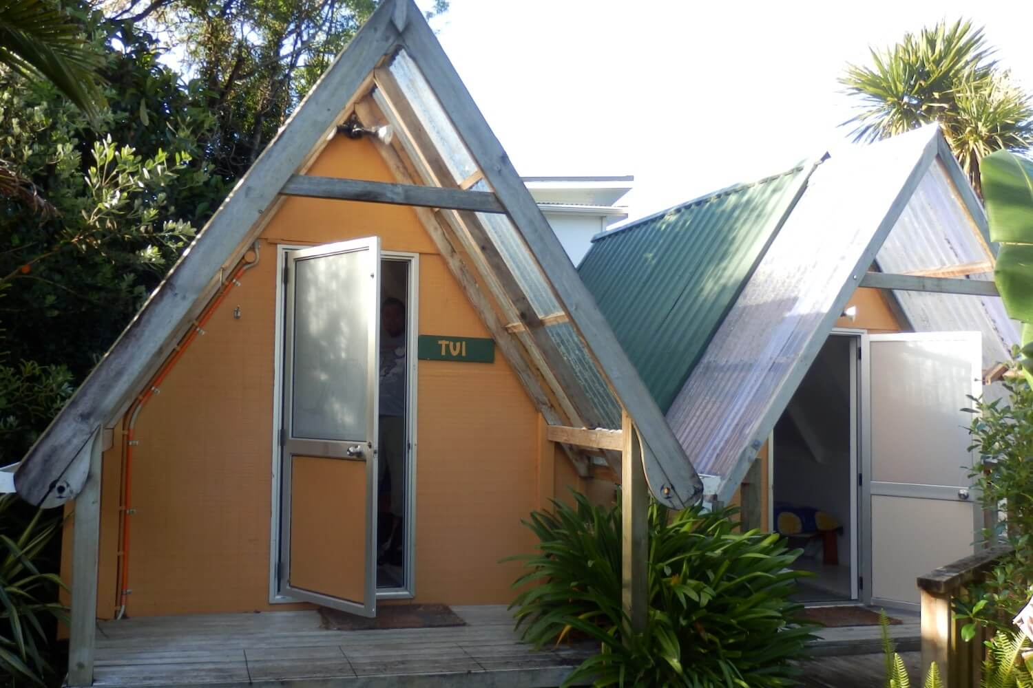 Accommodation in Paihia: Pickled Parrot