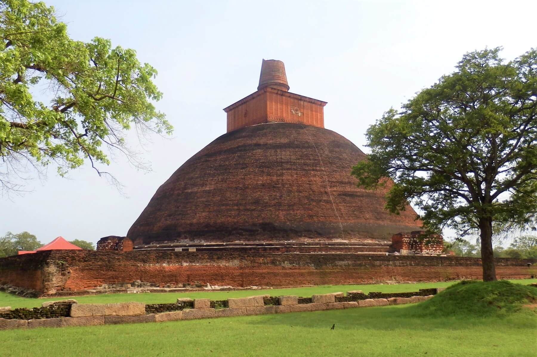 Travel guide of History to Anuradhapura in Sri Lanka